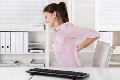 fix_poor_posture_office_ergonomics_back_pain-960x640